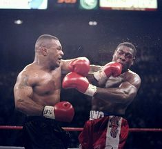 Mike Tyson and Frank Bruno Muhammad Ali, Frank Bruno, Mike Tyson Boxing, Boxing Images, Heavyweight Boxing, Professional Boxing, Boxing Live, Boxing History, Boxing Champions