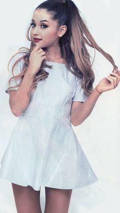 Ariana_grandeee ;)