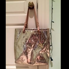 prada bags sale online - Authentic Prada BN2694 Used a couple of times signs of some light ...