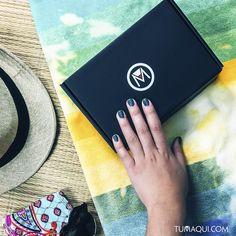 Siente la magia de destapar un tumaqui box y vive esta gran experiencia. - Ingresa a tumaqui.com y descubre más acerca de nuestros planes y servicios. - #tumaqui #bellezaporsuscripcion #makeup