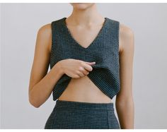Dragos II wool top - by Paloma Wool. Evasé top with straight lines in Houndstooth wool fabric. 44% cotton + 32% wool + 22% pes + 2% of. Made in Barcelona. #nattygal #thenatty #womensfashion #clothes #top