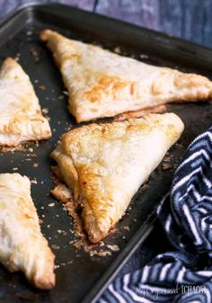 This Pumpkin Pie Turnovers with cream cheese frosting recipe is a simple classic dessert recipe which takes few ingredients and little time. It's a great fall dessert that is full of wonderful spice and flavour. Pumpkin Pasties, Pumpkin Pecan Pie, Pumpkin Dessert, Canned Pumpkin, Pumpkin Puree, Pumpkin Recipes, Frosting Recipes, Dessert Recipes, Desert Recipes