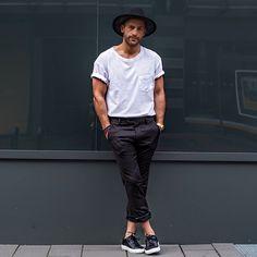 白Tシャツ,クロップドパンツ,メンズコーデ夏ファッション