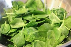 Like other dark green, leafy vegetables, spinach is a nutritional powerhouse. Because all methods of cooking destroy some nutritional value, the best way to maximize nutrient intake is to eat fresh spinach raw. Frozen Spinach Recipes, Cook Fresh Spinach, Cooking Light Recipes, Cooking Wine, Keto Recipes, Cooking Barley, Cooking Pasta, Cooking Ideas