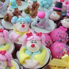 Circo Rosa!! 2 Aninhos da Clara  #festacircorosa  #cupcakescircorosa #cristinasteimbach