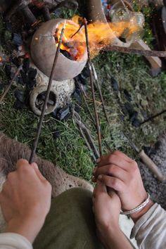Traditional viking bead making! Vikingsnitt -