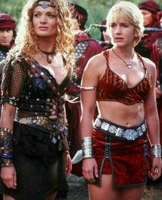 Lov the outfits! 👍--Queen Gabrielle and Epheniy(sp) Xena Warrior Princess, Warrior Girl, Fantasy Warrior, Warrior Women, Lucy Lawless, Amazons Women Warriors, Danielle Cormack, Trinidad, Lady In Red