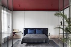 The Red Ceiling - — Studio Laas - Interior Architecture & Design Practice Small White Bedrooms, Tiny Bedrooms, Hgtv Dream Homes, Dressing Table Design, Interior Architecture, Interior Design, Bauhaus Interior, Bedroom Colors, Bedroom Ideas
