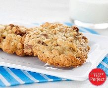 From the classic to the imaginative. Discover simple Rice Krispies* recipes for unforgettable memories. Cookies With Rice Krispies, No Bake Cookies, Oatmeal Chocolate Chip Cookie Recipe, Desert Recipes, Cookie Recipes, Yummy Food, Drink, Baking, Memories