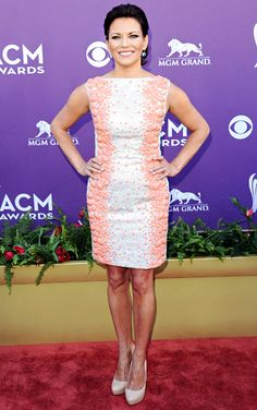 Martina McBride in coral encrusted white Georges Chakra Couture minidress at Academy of Country Music Awards 2012 Loretta Lynn Songs, American Country Music Awards, Martina Mcbride, Cma Awards, Look At The Stars, Carrie Underwood, Red Carpet Looks, Red Carpet Dresses, Celebs