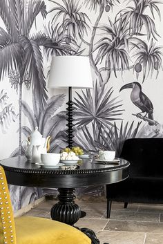 Ananb Papier Peint Jarawa Noir Blanc Www Ananbo Com Beauteous Trendy Wallpaper, Of Wallpaper, Pattern Wallpaper, Tropical Interior, Tropical Decor, Tropical Wallpaper, Trendy Home, Wall Design, Wall Murals