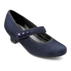 For smart days step out in women's heel Charmaine