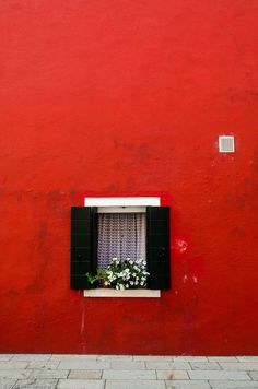 Viyet Style Inspiration | Red exterior, black shutters | Burano, Italy