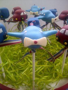 Trains, planes & cars cake pops