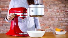 KitchenAid stand mixers are incredibly versatile, allowing you to make sausage, dice vegetables, churn ice cream, and more. Kitchen Aid Recipes, Kitchen Aid Mixer, Kitchen Appliances, Kitchen Aide, Kitchenaid Standmixer, Best Stand Mixer, No Churn Ice Cream, Mixers, Food Hacks