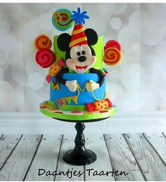 #mickey #ideiasdebolosefestas #ideiasdefestas #ideiasdebolos #bolomickey #festamickey #mickeycake