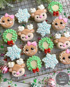 fancy christmas cookies Weihnachtspltzchen Holli o - christmascookies Mini Cookies, Fancy Cookies, Iced Cookies, Cute Cookies, Royal Icing Cookies, Cupcake Cookies, Cupcakes, Christmas Sugar Cookies, Christmas Sweets