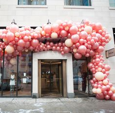 Balloon Installation, Balloon Backdrop, Balloon Wall, Balloon Garland, Ballon Decorations, Balloon Centerpieces, Birthday Party Decorations, Birthday Ideas, Visual Merchandising Displays