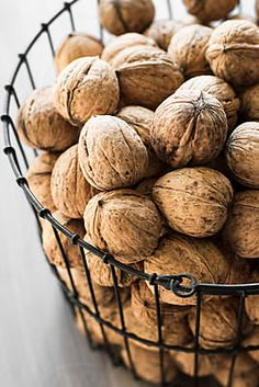 basket of walnuts by Renáta Dobránska(Food Ingredients Design) Good Food, Yummy Food, Fruits And Vegetables, Food Photography, Food Porn, Food And Drink, Healthy Recipes, Cooking, Autumn