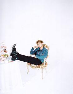 Park Jihoon Photos from Vogue, Singles, and Magazines 61 Kg, Kim Jaehwan, Ha Sungwoon, Jinyoung, Celebrity Photos, Baekhyun, Rapper, Beautiful Pictures, Ballet Skirt