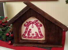 Campanella di Natale  ricamata da rosanna bonvini https://crocettando.wordpress.com/2015/01/11/buona-domenica/