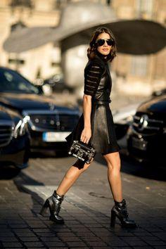 ccb071fae3 Paris Fashion Week Look Com Bota Tratorada