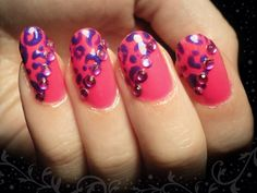 Ida-Marian kynnet / Pink with purple leopard pattern / #Nails #Nailart