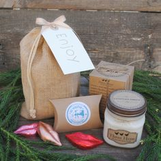 Check out our gallery of Welcome Gifts! All gifts are filled with a collection of local products and have a one-of-a-kind design to match your personality and event! Wedding Welcome Gifts, Wedding Gift Bags, Wedding Gifts For Guests, All Gifts, Holiday Gifts, Unique Gifts, Destination Wedding, Wedding Day, Guest Gifts