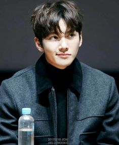 Ji Chang Wook at the Event Premiere _Fabricated City_ movie promotion at CGV Cinemas in Seoul Ji Chang Wook Smile, Ji Chang Wook Healer, Ji Chan Wook, Hot Actors, Actors & Actresses, Ji Chang Wook Photoshoot, Fabricated City, Handsome Korean Actors, Park Hyung