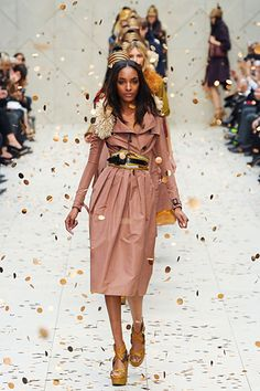 """Love this """"trench as a dress"""" look  Burberry Prorsum RTW 2012 Spr"""