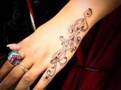 Feminine Hand Tattoo #femininepolynesiantattoos