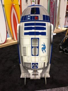 R2-D2 -Surfboards - News - GeekTyrant I would buy this, despite the fact that I haven't a clue how to surf...