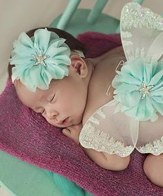 Look at this Nest Of Many Colors Aqua & White Beach Baby Flower Headband & Wing Set on today! Baby Am Strand, Baby Starfish, Cute Babies, Baby Kids, Baby Flower Headbands, Girl Headbands, Baby Fashionista, Butterfly Baby, Cute Baby Pictures