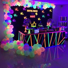 Ideas for Neon and Glow Parties Bar Mitizvah Bat Mitzvah Teen Parties Quinceane. Ideas for Neon and Glow Parties Bar Mitizvah Bat Mitzvah Teen Parties Quinceanera Neon Birthday, 13th Birthday Parties, Birthday Party For Teens, Birthday Party Decorations, Sleepover Party, Birthday Ideas, Glow Party Decorations, 16th Birthday, Spa Party