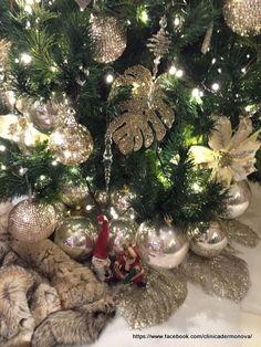 Arbol de Navidad y decoracion navideña Christmas Tree, Holiday Decor, Home Decor, Merry Christmas, Manualidades, Teal Christmas Tree, Decoration Home, Room Decor, Xmas Trees