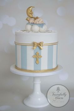 Dream baby - Cake by Marianne: Tastefully Yours Cake Art Baby Cakes, Baby Christening Cakes, Baby Boy Baptism, Baby Shower Cakes, Baptism Cakes, Religious Cakes, Baby Dedication, Shower Bebe, Communion Cakes
