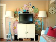 love the embroidery hoop art work around the tv display. this is a cute idea for a small living room space. Tutorial Diy, Tv Display, Display Ideas, House Of Turquoise, Embroidery Hoop Art, Embroidery Fabric, My Living Room, Mid-century Modern, Wall Decor