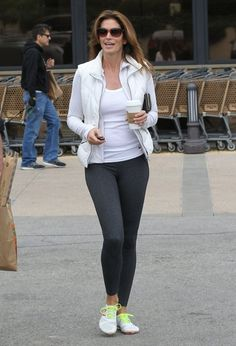 Cindy Crawford Photos Photos: Cindy Crawford Makes A Quick Stop At Pavilions Sporty Outfits, Stylish Outfits, Sporty Clothes, Sport Fashion, Fitness Fashion, Womens Fashion, Yoga Pants For Work, Cindy Crawford Photo, Yoga Dress