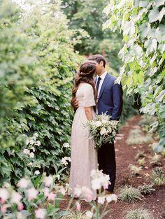 Simple and Elegant Outdoor Wedding Reception