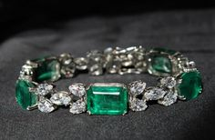 Treat yourself to a touch of #timeless #glamour with this #breathtaking #DiosabyDarshanDave #bracelet! It's #SterlingSilver links are embellished with fancy cut #SwarovskiZirconia and green stylized stones creating a gorgeous sparkle - perfect for a dressy evening out! Available on www.diosajewels.com #makeeverydaybrilliant #jewellery #finejewellery #traveljewellery #weddings #fashionwear #preciousjewellery #luxejewellery  #dailywear #workwear #casualwear #destinationweddings #bridalwear