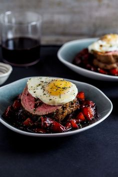 Found: Biltong & Parmesan Stuffed Beef Fillet with a Soft Poached Egg from Simply Delicious. Italian Recipes, Beef Recipes, Cooking Recipes, Beef Fillet, Parmesan, Biltong, Gula, Good Food, Yummy Food