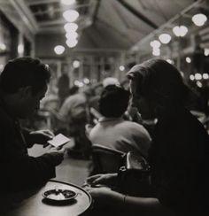 La Coupole, Paris, 1966 (Janine Niépce)