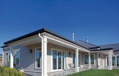 A fine line in weatherboard design Dulux Exterior Paint Colours, House Exterior Color Schemes, Exterior Colors, Exterior Design, Gray Exterior, Hamptons Style Homes, Hamptons House, Weatherboard Exterior, Roof Colors