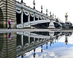 Paris à travers la symétrie de Joanna Lemanska