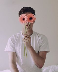 """Connor Franta ✨ """"// oh i wish my iris could see the world a different way"""" ✨"""
