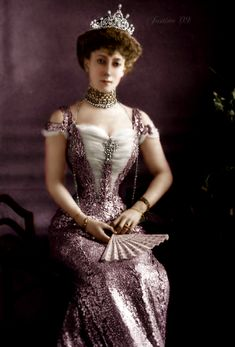 Queen Maude of Norway Royal Oak, Edwardian Fashion, Vintage Fashion, Vintage Dresses, Vintage Outfits, Old Portraits, Royal Tiaras, Gibson Girl, Historical Clothing