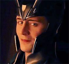You spot Loki! What is Loki's reaction to you? GIF) Probably because he knows that his Fan Girl. Loki Marvel, Loki Thor, Loki Avengers, Loki Laufeyson, Thomas William Hiddleston, Tom Hiddleston Loki, Loki Aesthetic, Fanfiction, Loki God Of Mischief