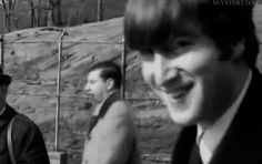 ♡♥John has fun making a retarded face look - click GIF♥♡ John Lennon, Beatles Band, Les Beatles, Great Bands, Cool Bands, Paul Mccartney Birthday, Liverpool, Wtf Face, Weird Face