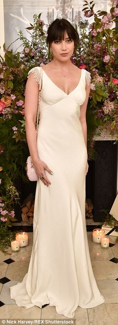 Poppy Delevingne Threw the Most Stylish Spring Bash with Jo Malone London Celebrity Red Carpet, Celebrity Look, Celebrity Dresses, Celeb Style, Poppy Delevingne, White Gowns, White Dress, Nice Dresses, Formal Dresses