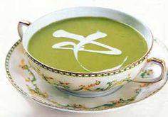 Pea Soup with Crème Fraîche / Romulo Yanes